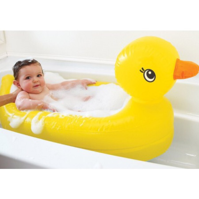 Munchkin White Hot Inflatable Duck Tub and Ocean Bath Toy Bundle