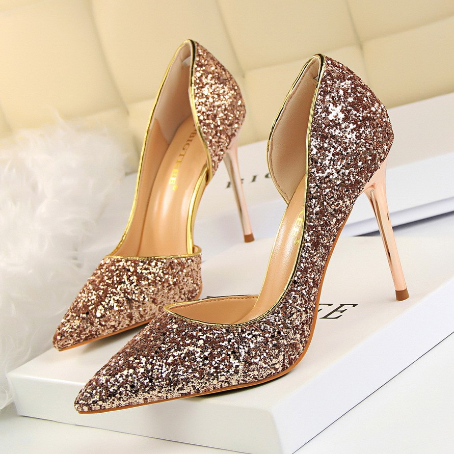 a3e6419dcbfa ChristyNg Wedding Shoes Helena Gold | Shopee Malaysia