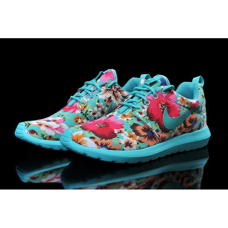 Nike roshe run flower size 36 to 4545 Sneakers