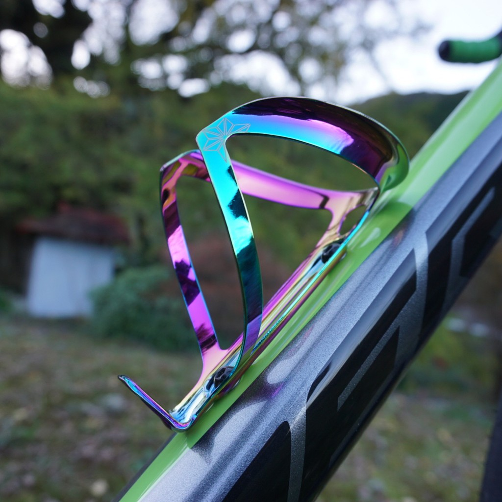 Supacaz Cycling Oil Slick Ano Fly Water Bottle Cage 18g