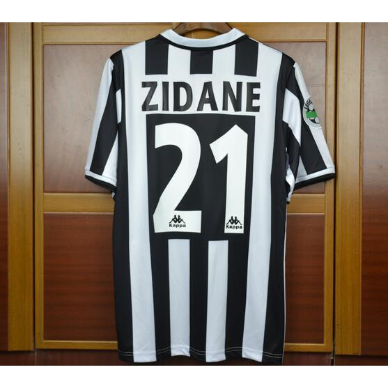 f1e7484e7d6 18-19 Juventus home jersey UCL version with all UCL patch