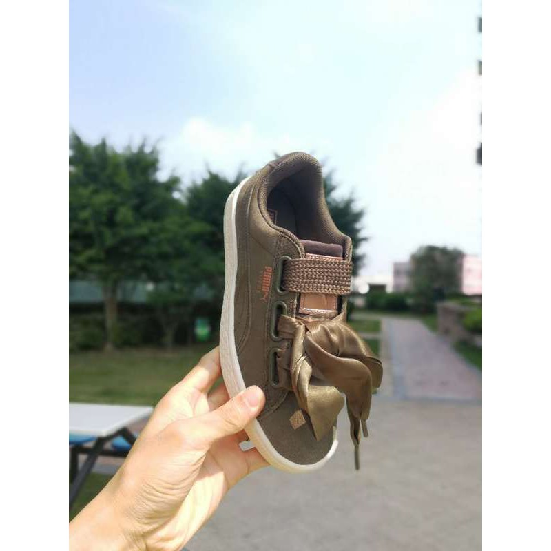 check out cf880 1eab8 Puma Suede Army Green Rose Gold Label Velvet Ribbon Shoes