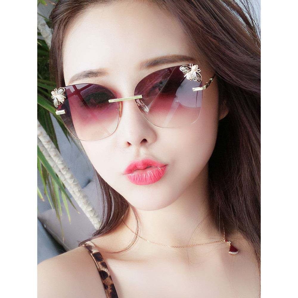 3397cd5886 Sunglasses female ins Korean version of the tide round face big face 2019  new net red street shot polarized sunglasses