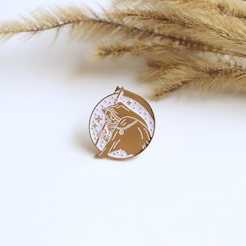 Round Shark Design Lapel Pin Badge Shirt Collar Brooch