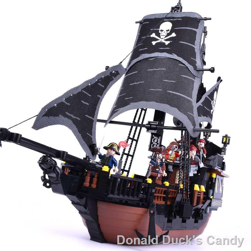 ◇❣Caribbean pirate ship blocks/assembles toy lego black pearl number 6  model 8 good intelligence puzzle 10-year-old boy