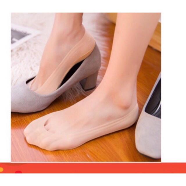 รุ่นใหม่‼️ จะมีซิลิโคนรอบบนหลังเท้า ถุงเท้าคัชชู เนื้อเชียร์ แนบผิว มีซิลิโคนกันลื่น/กั