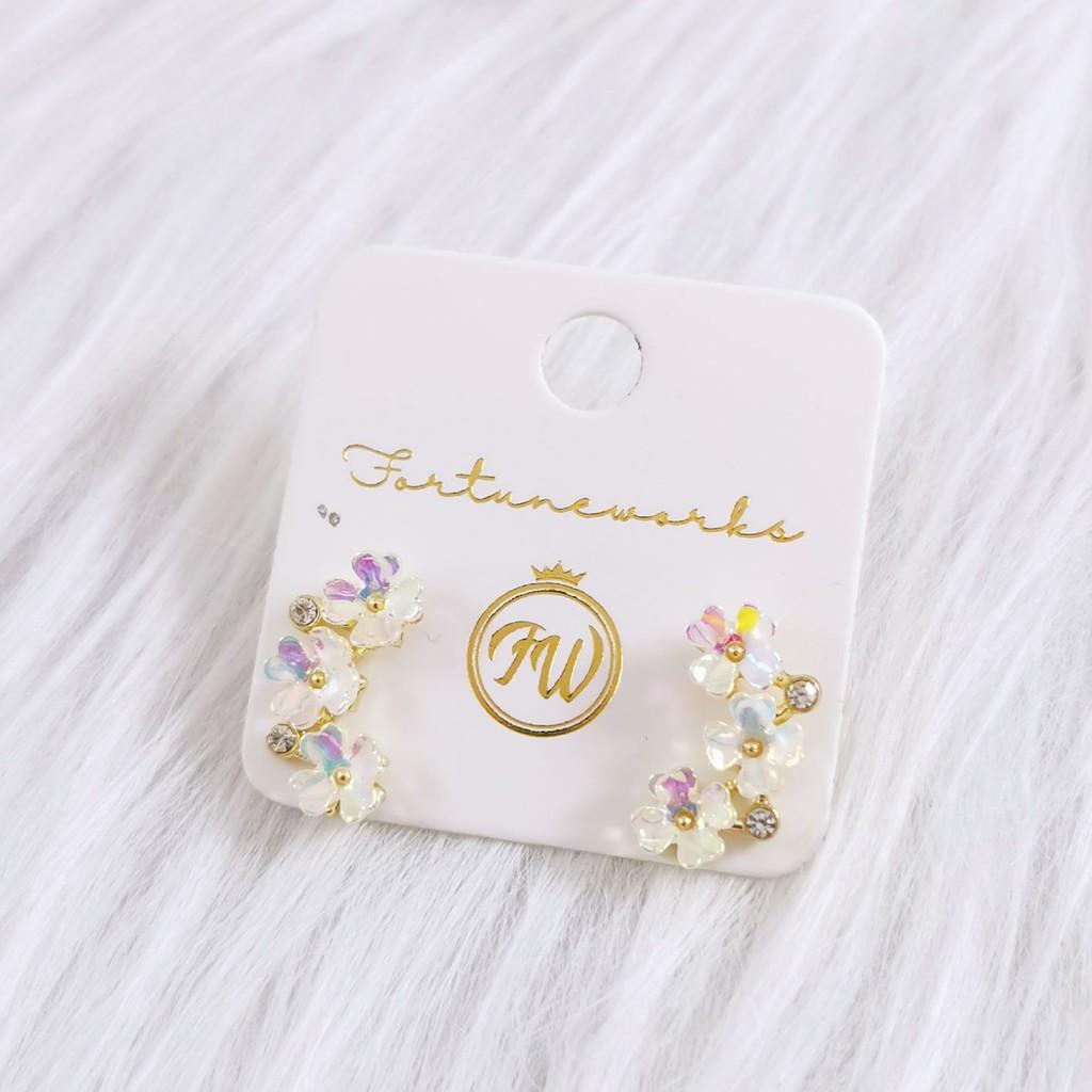 FORTUNEWORKS Simple Hypoallergenic Fashion Stud Earrings Shiny Flower Crystal Snow Flakes Perfume Bottle Love Shape