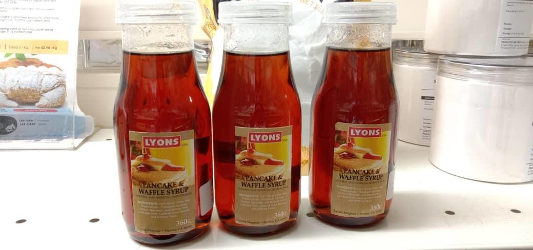 LYONS, Pancake and Waffle Syrup