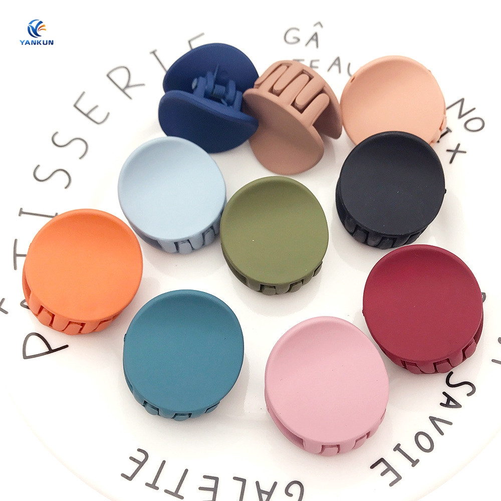 Fashion Women's Round Gripper Solid Color Acrylic Hair Clip