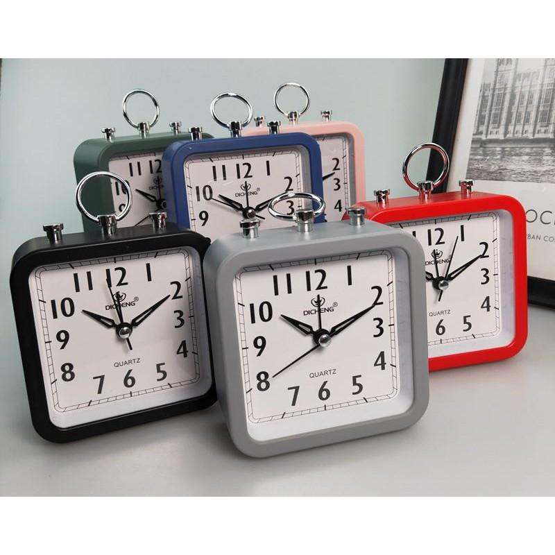 QUARTZ Alarm Clock good Quality