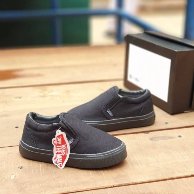 nitrógeno Oscuro Coherente  SALE FOR CHILDREN SHOES VANS SLIP ON FULL BLACK KIDS 25-35 CHILDREN BLACK  SHOES WITHOUT ROPE   Shopee Malaysia