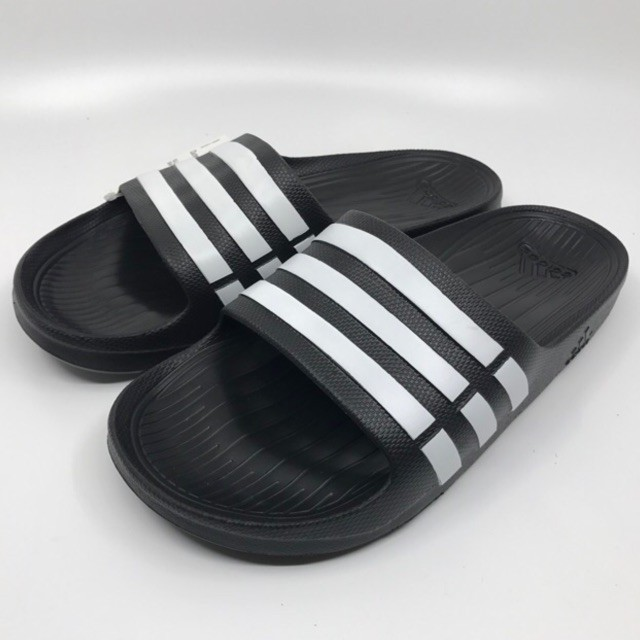 inflación Brote Más temprano  Adidas shoes slippers sandals cushion white men white shoes women plus size shoes  women's shoes line yeezy boost nmd | Shopee Malaysia