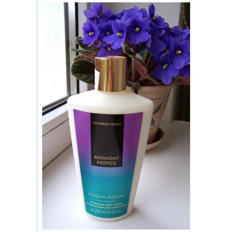 Victoria's Secret Midnight Exotics Sensual Jasmine Hydrating Body Lotion, 250 ml