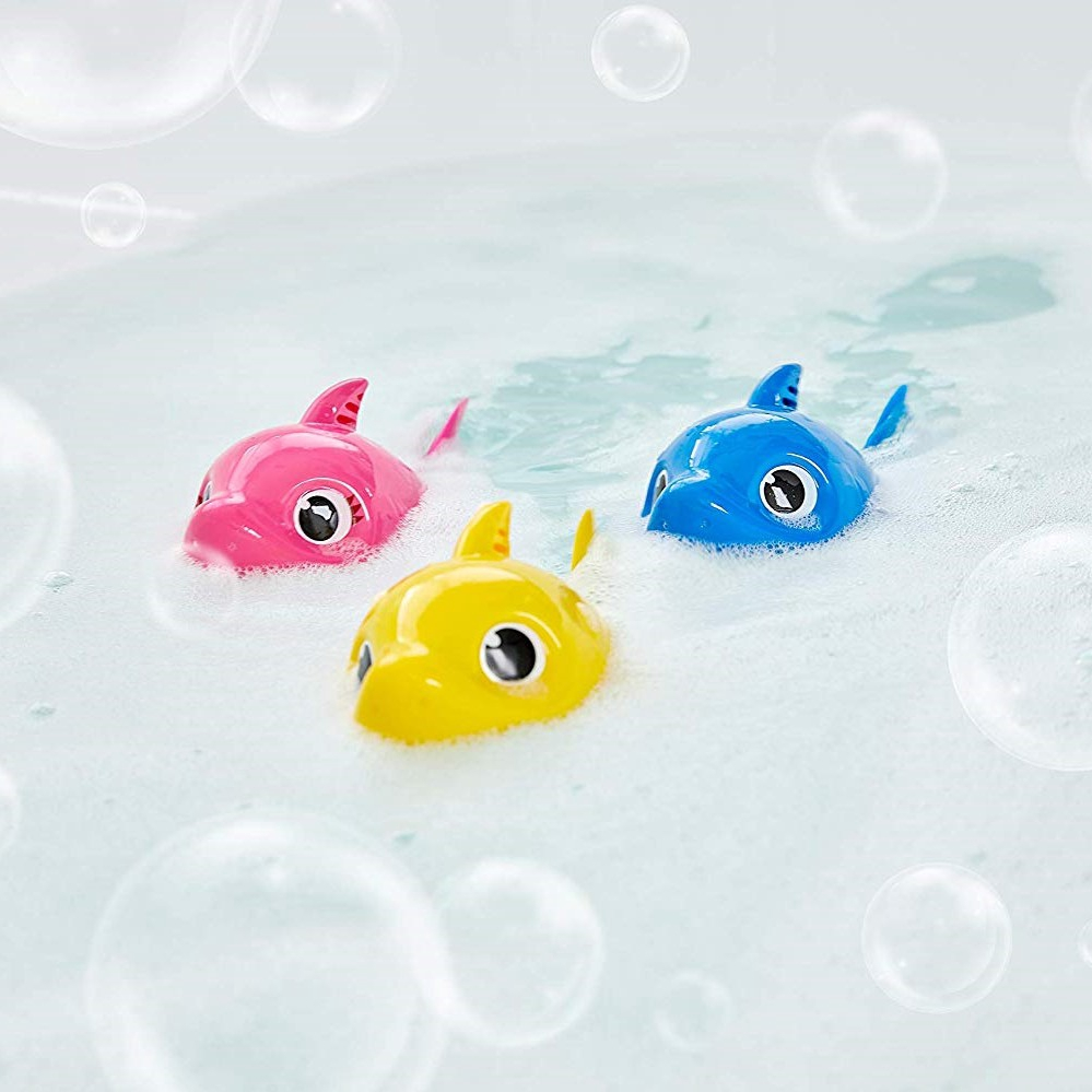 Baby Shark Yellow Robo Alive Junior Sing /& Swim Bath Toy