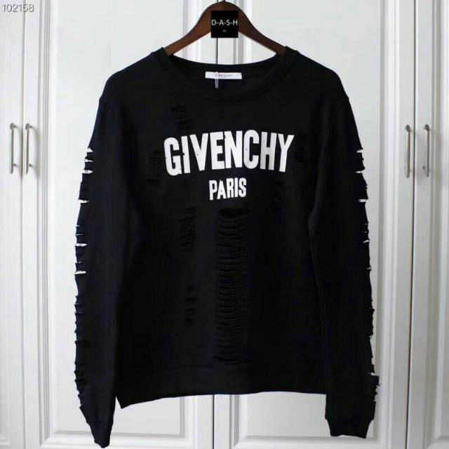 GIVENCHY must have item รุ่นใหม่ล