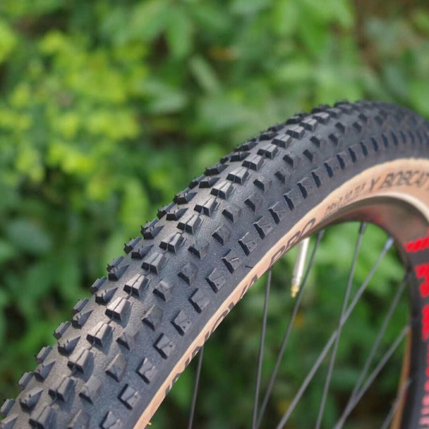 NEW Hutchinson Python 29 x 2.1 Folding Bead Mountain Bike Tire