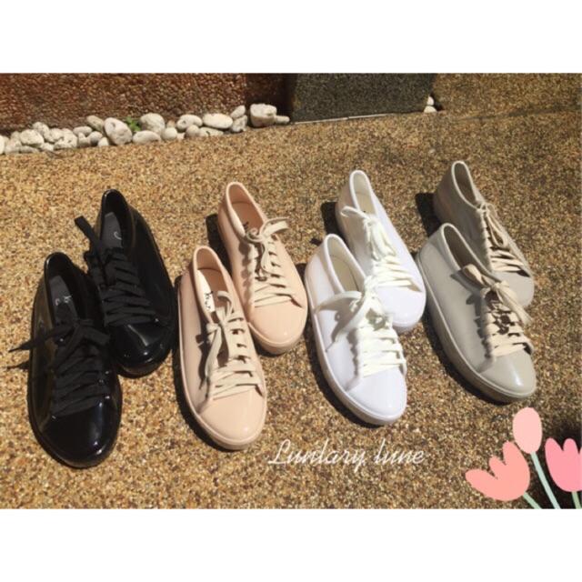 รองเท้าผ้าใบสีพาสเทล สูง3cm. รองพื้นรองเท้าอย่างดี นิ่ม กันฝน มี4สี พร้