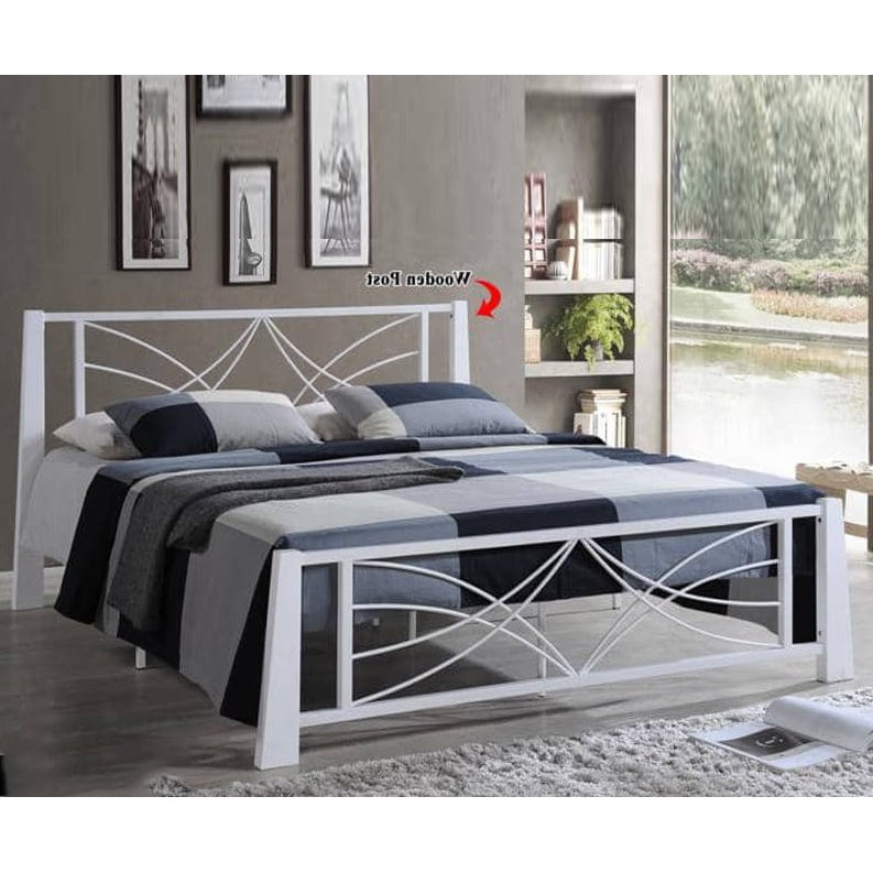 DB555888 Queen Size Metal Bed Frame In Wooden Post white color
