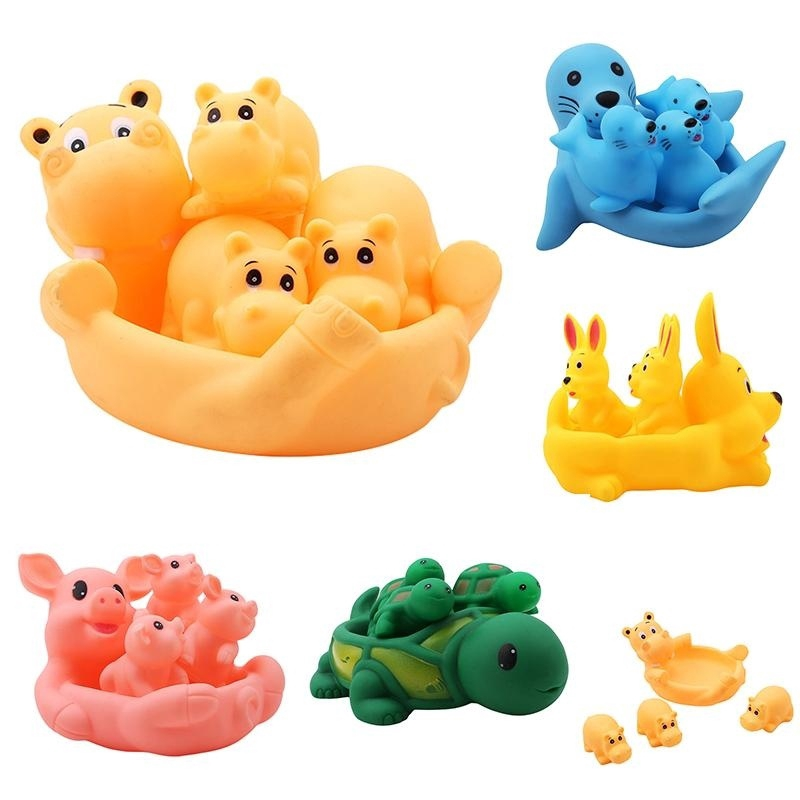 4PCS//Set Mummy /& Baby Rubber Race Squeaky Ducks Family Bath Toy Kid Game Toys
