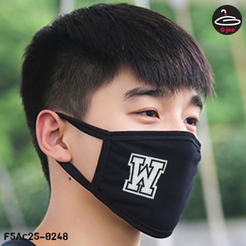 ผ้าปิดปากสีดำลายตัวอักษร W  ผ้าคอตตอนเนื้อผ้านุ่มมีผ้ากรองซับด้านใน F5Ac25