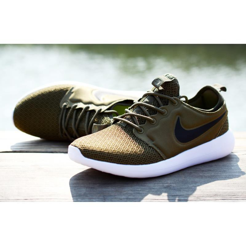 new style 9bedb c55c7 Nike Roshe Two V3.0 Sports Shoes Running Shoes Army Green