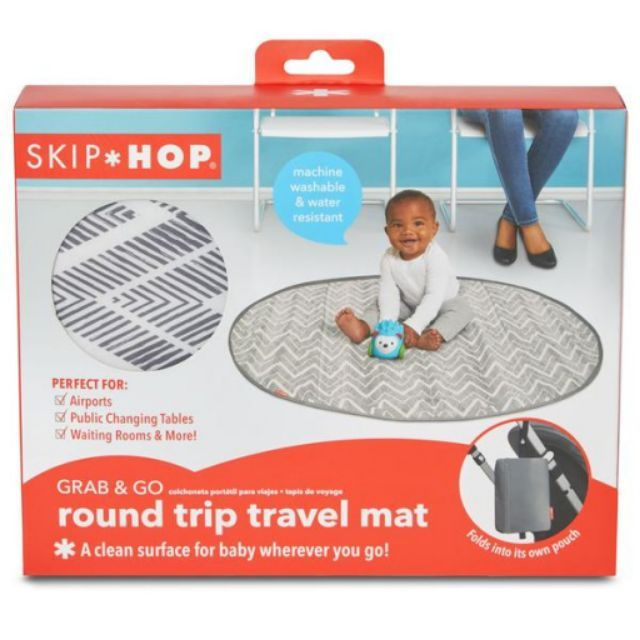 Skip Hop Grab-and-Go Round Trip Travel Mat-Grey Zig Zag