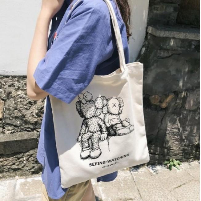 2bd4899b7642 👜🎀🎁🔥Hot !!!Large capacity fashion Kaws single tote canvas bag