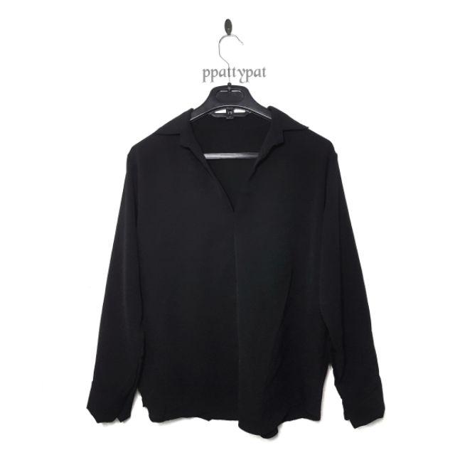 🚩ส่งฟรี99.-ต้องใช้โค้ดน้า🚩 ของใหม่ เสื้อสีดำ oversize  คอปกเล็กไม่มีกระดุม อก4