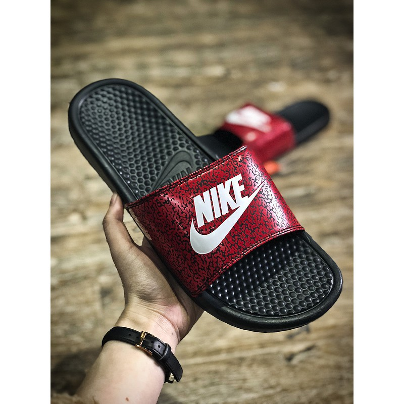 newest 4dc19 2e094 nike benassi swoosh slippers originals ready stock casual slippers home  slippers