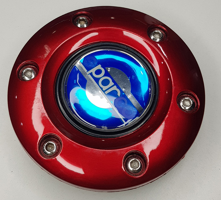 Steering Wheel Hubcap Car Horn Button (BLACK BLUE RED SILVER YELLOW)