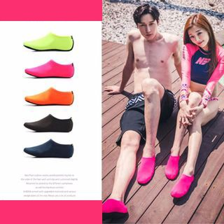 (สินค้าพร้อมส่ง)รองเท้าชายหาด รองเท้าลุยน้ำ รองเท้าดำน้ำ กันลื่น แห้