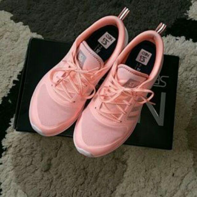 adidas neo selena gomez rosa
