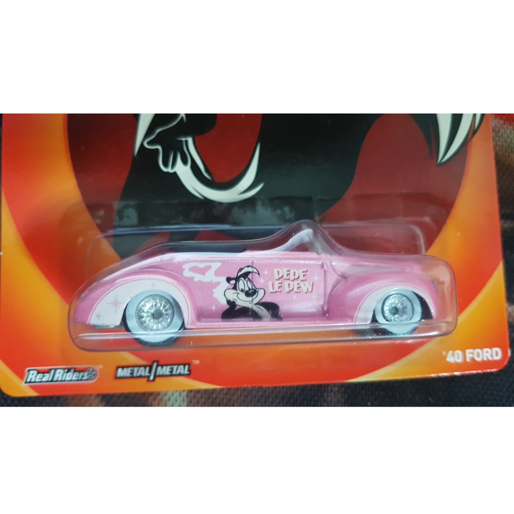 HOTWHEELS LOONEY TUNES PEPE LE PEW 40 FORD  REAL RIDER RUBBER TYRES