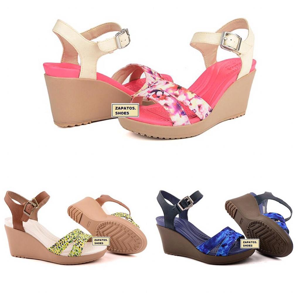 48451a3e9a8c Crocs Women s Sarah CLOG