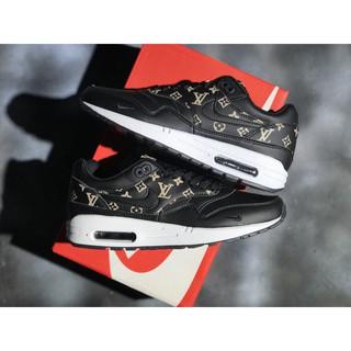 Nike air max 90 supreme Black Running Shoes Buy Nike air