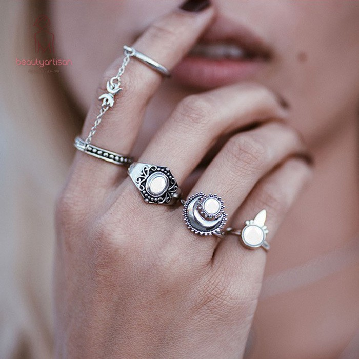 897f23521c 5 Pcs/Set Fashion Women Knuckle Rings Vintage Carved Stone Moon Chain Beach  Finger Joint Ring For Ladies Girls Gifts
