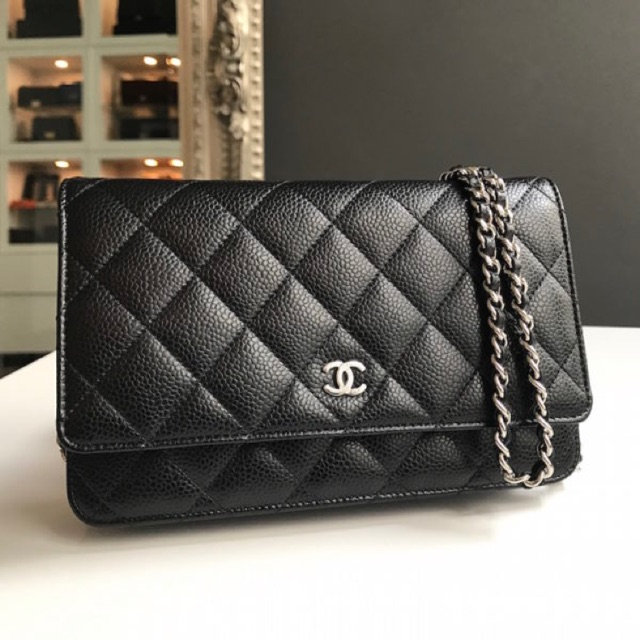 CHANEL WOC (wallet on c