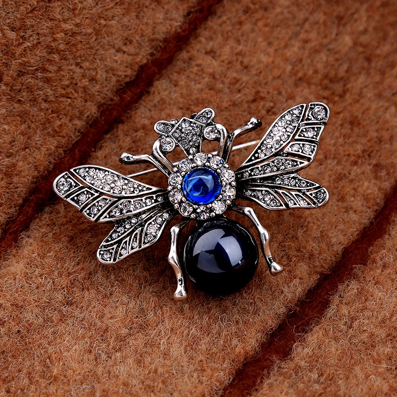 51ee787418b Vintage Spider Brooch Pin For Women Costume jewelry Bee Brooch NNM | Shopee  Malaysia