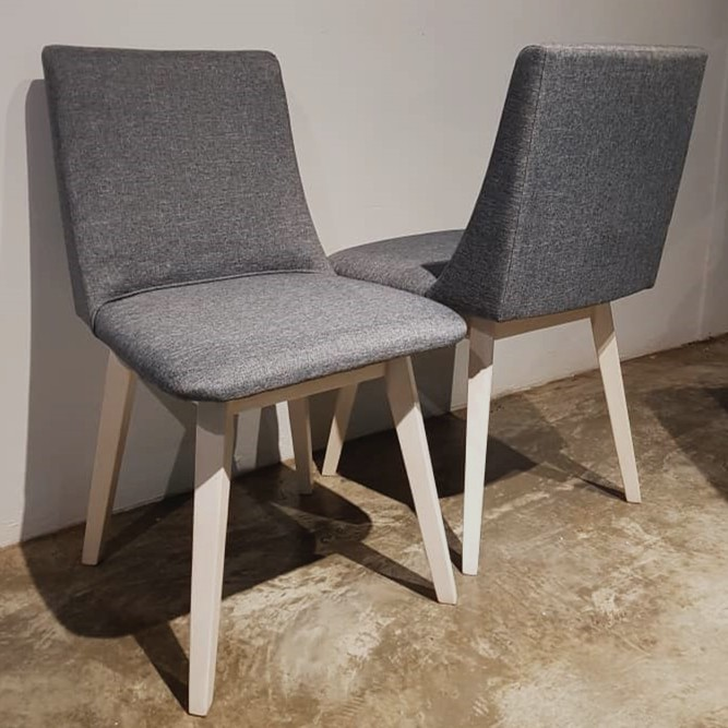 Prkelldy Solid Wood Dining Chairs With Cushion Seat (Set of 2pcs)