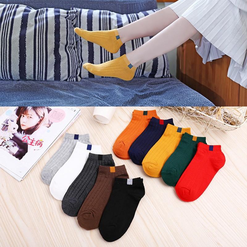 ถุงเท้าสั้นสำหรับผู้หญิง