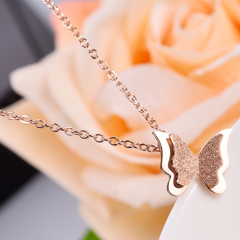 Small Butterfly Simple Necklace Creative Pendant Personalized Accessories Wild Pendant Gift Couple Influx
