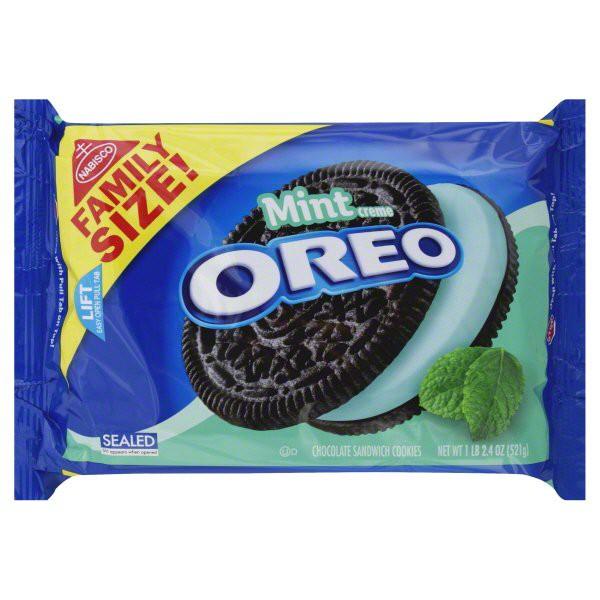 Oreo Mint Creme Chocolate Sandwich Cookies Family Size, 18.4 Oz.