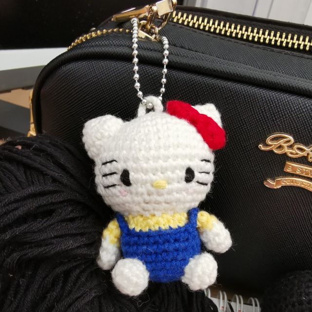 crochet hello kitty free pattern | Crochet amigurumi pattern PDF ... | 640x640