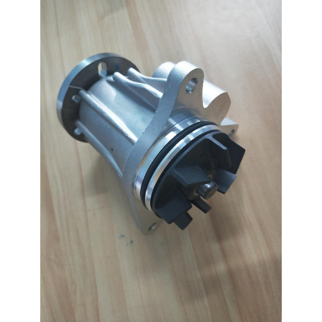 Genuine C2C37771 Water Pump For Jaguar XJ 351 3.0D 2010- , XF 2009-2015