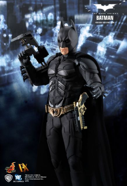 Hot Toys 1:6 DX02 The Dark Knight Batman Figure Light-up Deluxe Stand