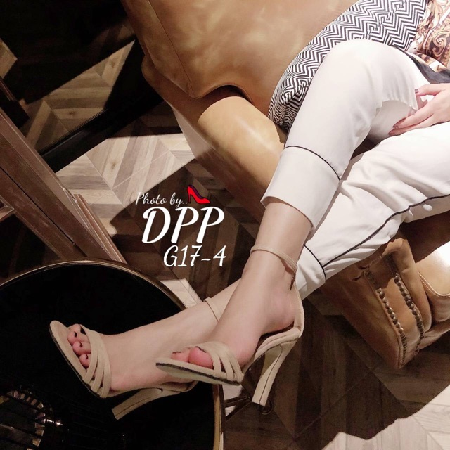 G17-4 รองเท้าส้นเข็มสูง 4 นิ้ว งานหนังนิ่ม ทรงสวย เก็บหน้าเท้าได้ดี สายรัดส้นเป็นตะขอเกี่ยว เข็มขัดปรับขน