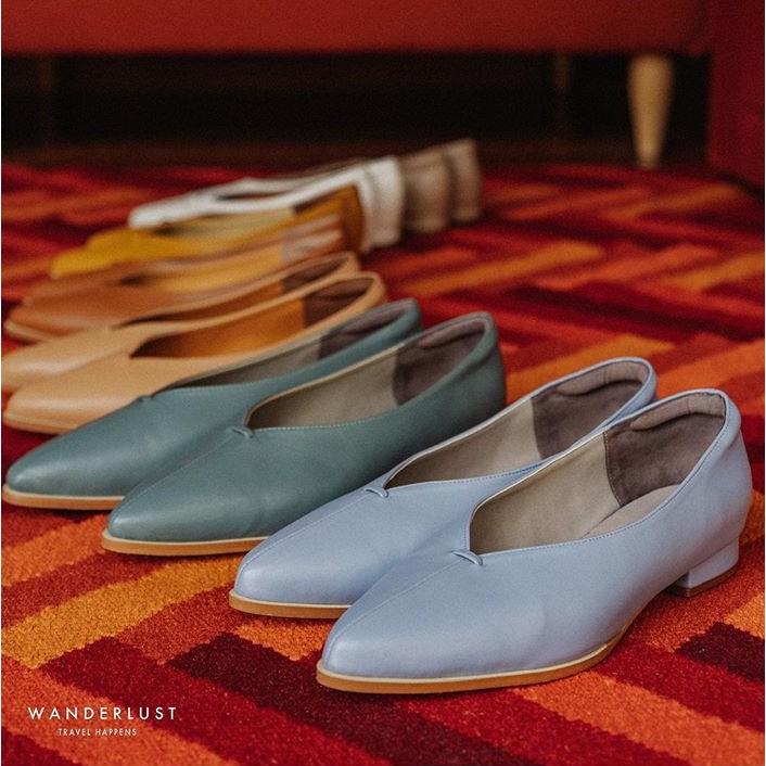 รองเท้าหนังหัวแหลม Wanderlust รุ่น Ballet