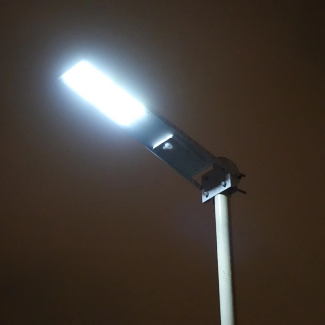 Lampu Solar Jalan (Solar Street Light)