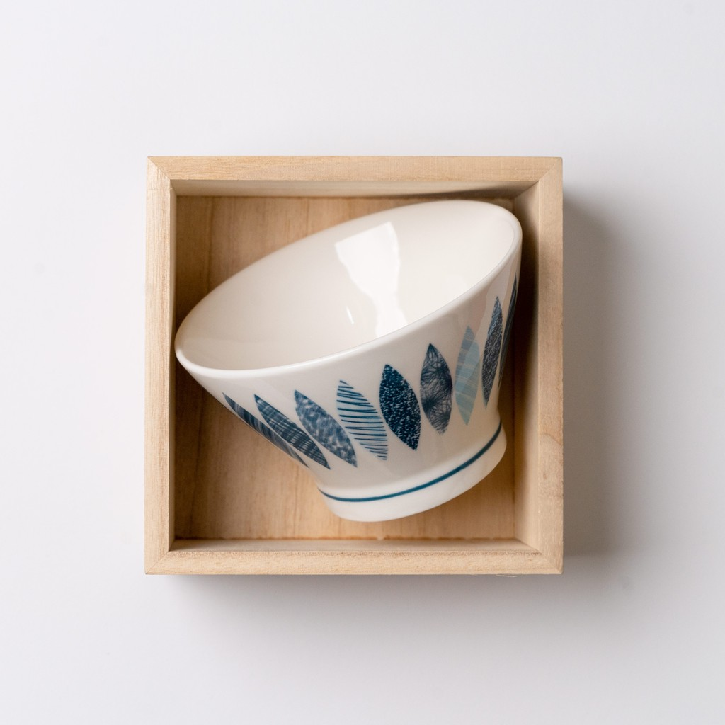 12.5cm Japanese Blue And White High Foot Ceramic Ramen Bowl Porcelain Bowl Soup Bowl Tableware 日式古典风陶瓷高脚斗笠碗