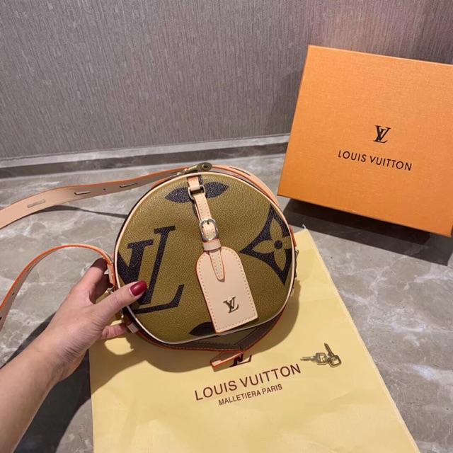 9fc9bb00fc 🔥🔥🔥 Luxury Handbag 02 Boite Chapeau Souple Monogram Round Bag M44604 🎁